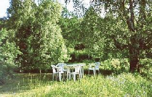 214337) Casa En Suecia Con Jardín
