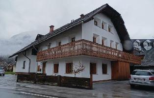 312707) Apartamento En El Centro De Kranjska Gora Con Internet, Jardín