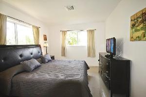 560435) Apartamento A 1.1 Km Del Centro De North Miami Beach Con Internet, Piscina, Aire Acondiciona