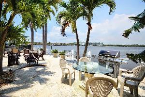 560440) Casa A 1.1 Km Del Centro De North Miami Beach Con Internet, Piscina, Aire Acondicionado, Apa