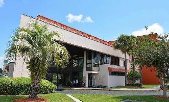 Hotel Baymont Inn & Suites Orlando