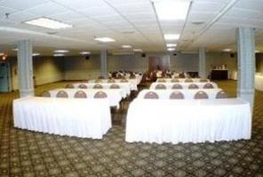 Hotel Black Bear Inn Conference Center & Suites